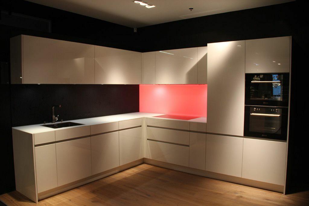 Küchendesign mit AlphaLED Beleuchtung